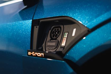 2019 Audi e-Tron - UK version 99