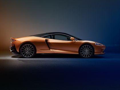 2019 McLaren GT 8