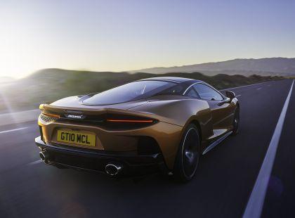 2019 McLaren GT 13