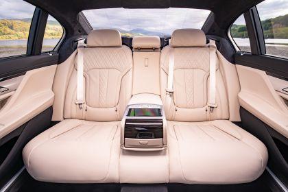 2020 BMW 730Ld - UK version 27