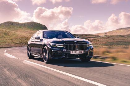 2020 BMW 750i xDrive M Sport - UK version 3