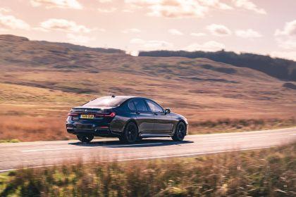 2020 BMW 750i xDrive M Sport - UK version 4