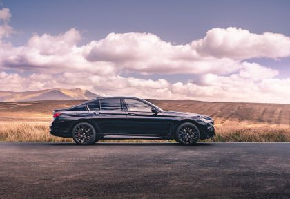 2020 BMW 750i xDrive M Sport - UK version 7