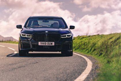 2020 BMW 750i xDrive M Sport - UK version 9
