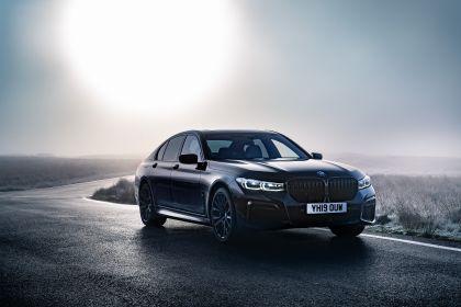 2020 BMW 750i xDrive M Sport - UK version 11