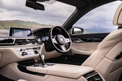 2020 BMW 750i xDrive M Sport - UK version 17