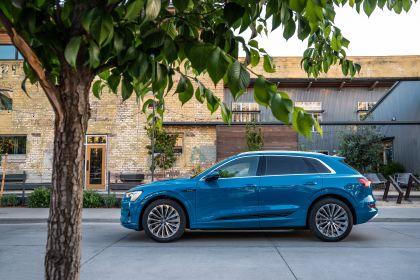 2019 Audi e-Tron - USA version 12