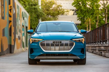2019 Audi e-Tron - USA version 25