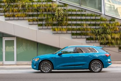 2019 Audi e-Tron - USA version 26