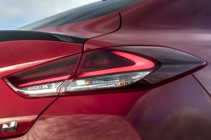 2019 Hyundai i30 Fastback N - UK version 104