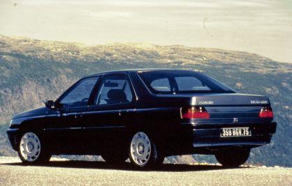 1989 Peugeot 605 SV24 10