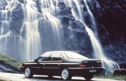 1989 Peugeot 605 SV24 16