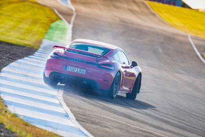 2019 Porsche 718 ( 982 ) Cayman GT4 32