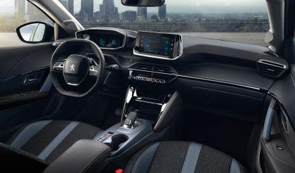 2020 Peugeot 2008 26