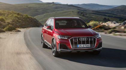 2020 Audi Q7 13