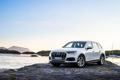 2020 Audi Q7 46