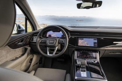 2020 Audi Q7 71