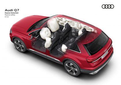 2020 Audi Q7 79