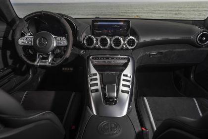 2020 Mercedes-AMG GT C coupé - USA version 45