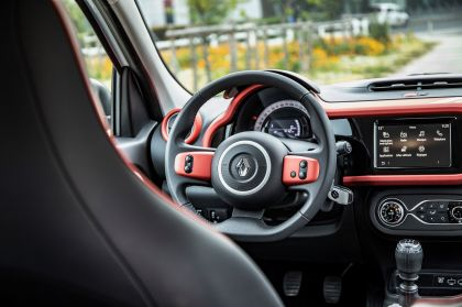 2019 Renault Twingo Le Coq Sportif Limited Edition 36