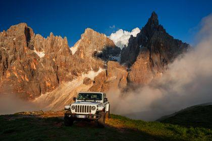 2020 Jeep Gladiator - Europe version 9