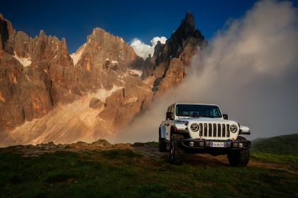 2020 Jeep Gladiator - Europe version 10