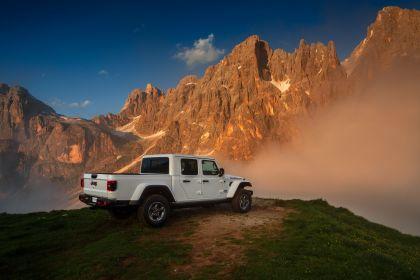 2020 Jeep Gladiator - Europe version 12