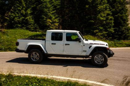 2020 Jeep Gladiator - Europe version 18