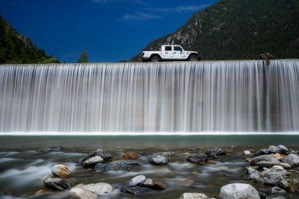 2020 Jeep Gladiator - Europe version 24