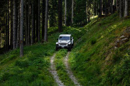 2020 Jeep Gladiator - Europe version 26