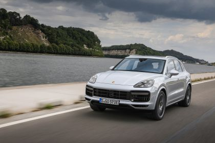 2020 Porsche Cayenne Turbo S E-Hybrid 18