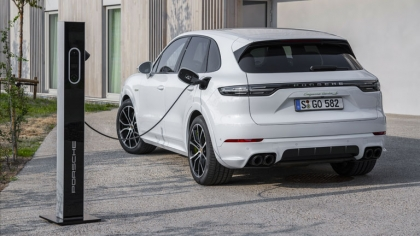 2020 Porsche Cayenne Turbo S E-Hybrid 8