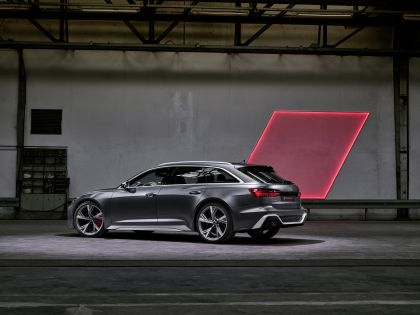2020 Audi RS 6 Avant 37