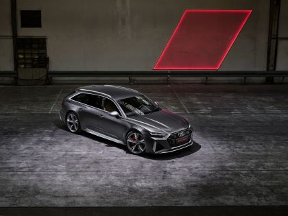 2020 Audi RS 6 Avant 41