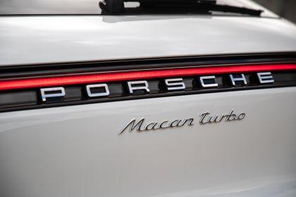 2020 Porsche Macan Turbo 210