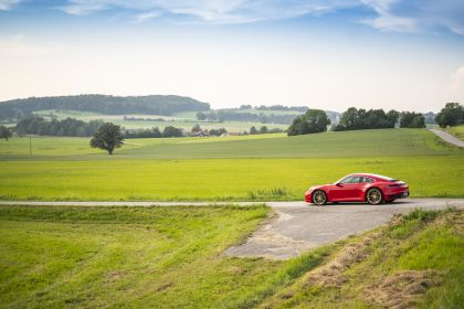 2019 Porsche 911 ( 992 ) Carrera 24
