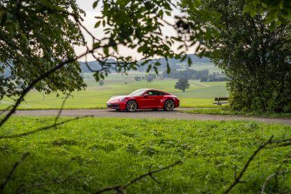 2019 Porsche 911 ( 992 ) Carrera 27