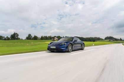 2020 Porsche Taycan turbo 70