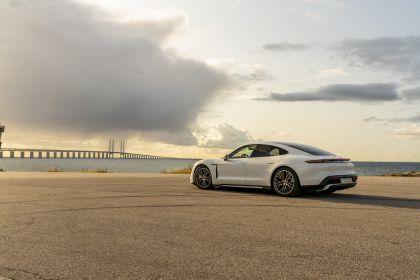2020 Porsche Taycan turbo 140