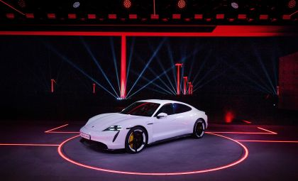 2020 Porsche Taycan turbo S 1