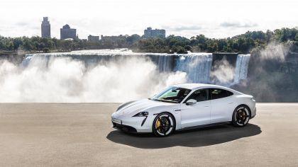 2020 Porsche Taycan turbo S 3