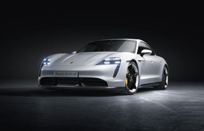 2020 Porsche Taycan turbo S 4