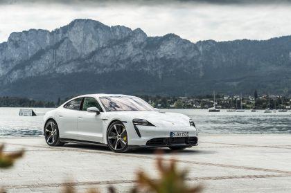 2020 Porsche Taycan turbo S 19