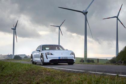 2020 Porsche Taycan turbo S 24