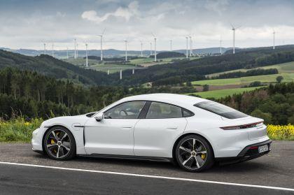 2020 Porsche Taycan turbo S 26