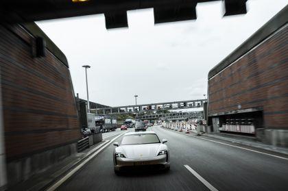 2020 Porsche Taycan turbo S 40