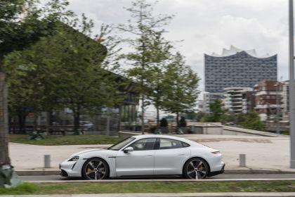 2020 Porsche Taycan turbo S 58