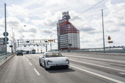 2020 Porsche Taycan turbo S 63