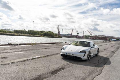2020 Porsche Taycan turbo S 70