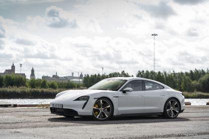 2020 Porsche Taycan turbo S 71